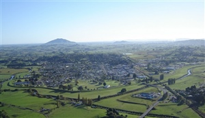 Otorohanga   close to major North Island centres