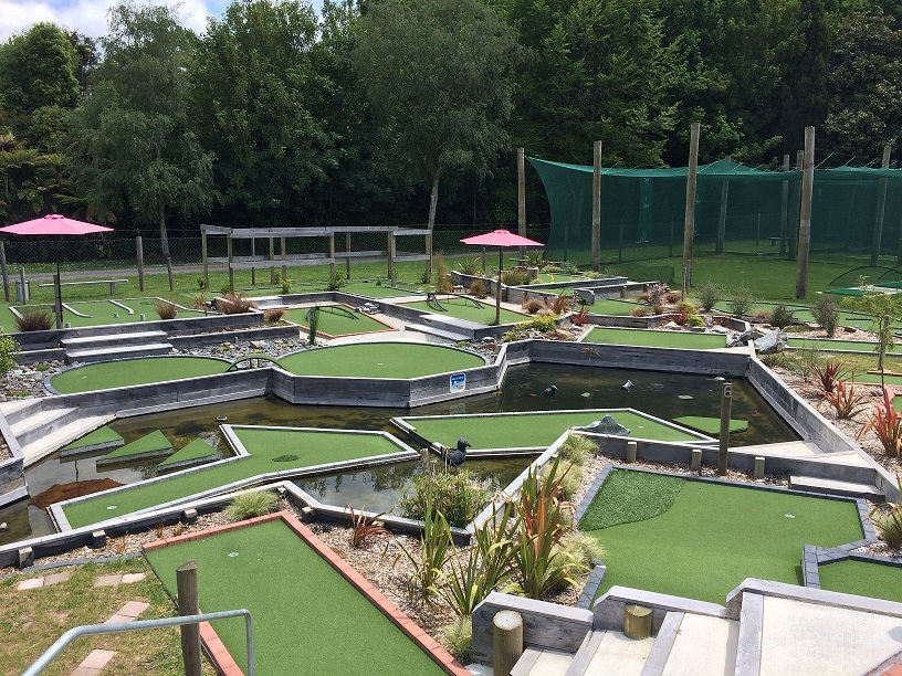 Mini golf at Kiwiana Leisure Park